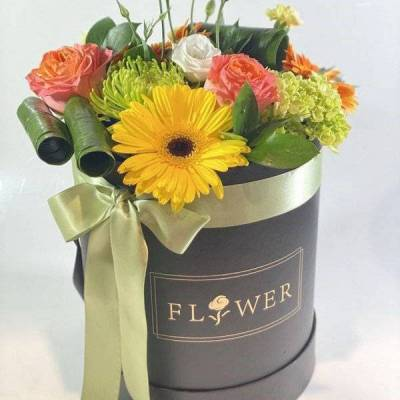 Funky Petal's Signature Collection Mixed Flower Box w/ green ribbon