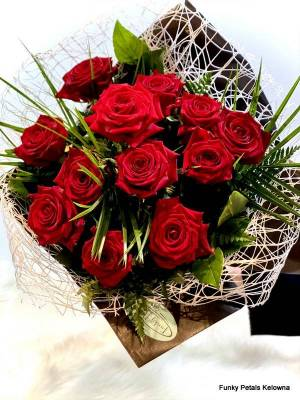 12 Roses in a Bouquet