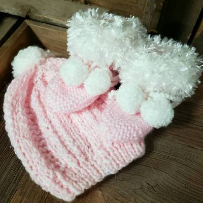 Hand Knit - Girl Baby Booty and Hat set