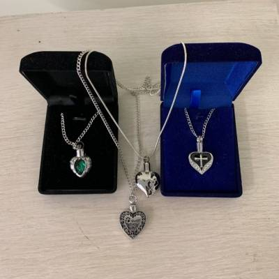 Necklace Mourning Heart