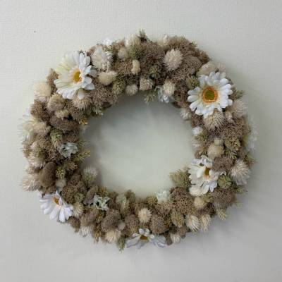Wreath, Moss and Daisies